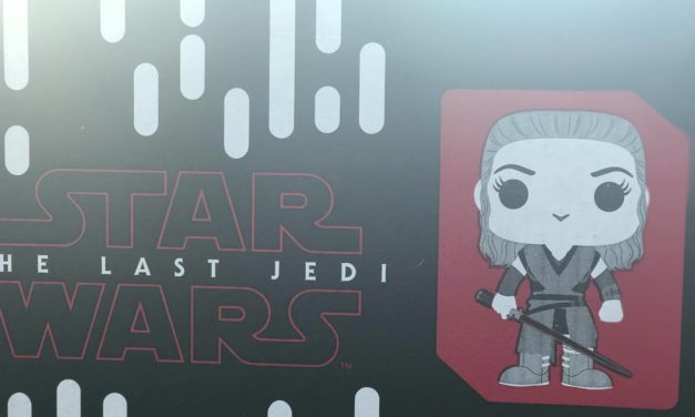Review of the new Star Wars Smugglers Bounty: The Last Jedi Box by Funko (Spoilers)